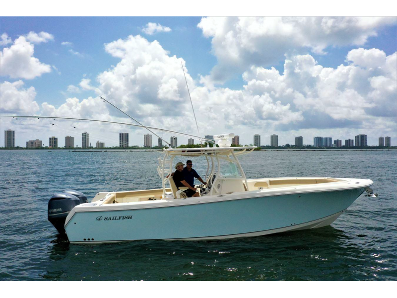 Will M. | 2017 Sailfish 320 CC